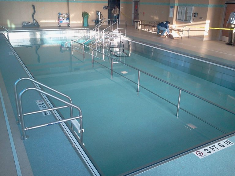 Stainless steel hospital therapy pool